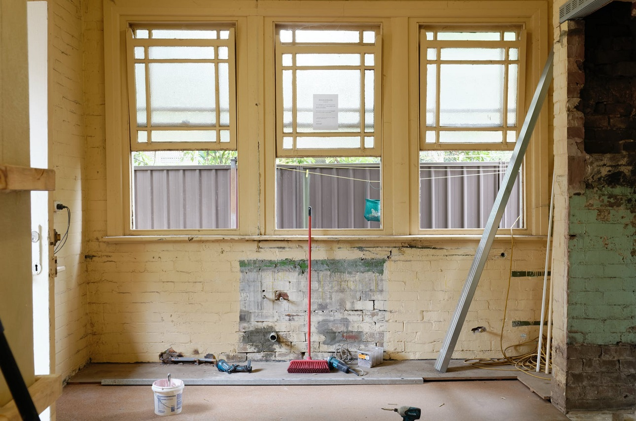 Which Home Repairs to DIY — and Which to Call Professionals For?